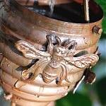 Honeybee Cup Rain Chain